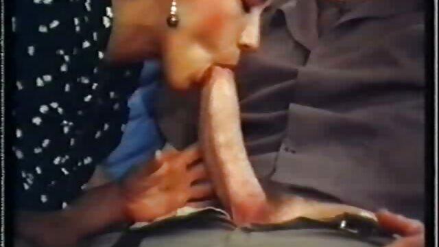 masturbándose videos pornos de mujeres viejitas
